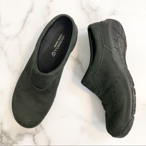 Merrell lightweight Slip on black leather clogs 10